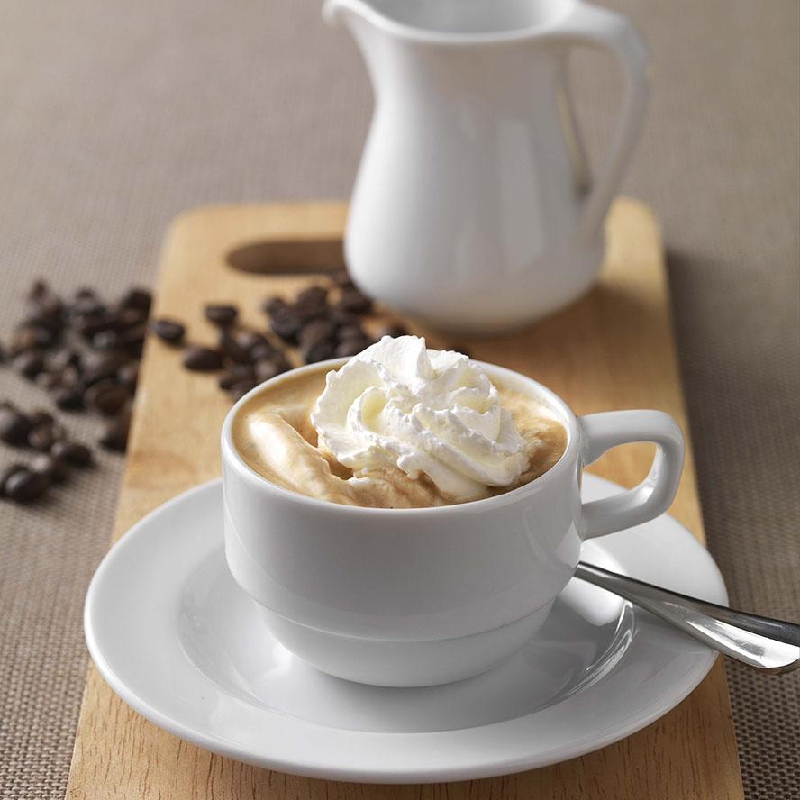 طرز تهیه کُن پانا یا نوشیدنی اسپرسو خامهای با قهوهجوش رو گازی یا موکاپات