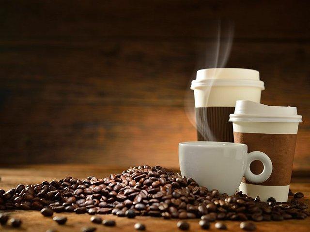 تا چند فنجان قهوه در طول روز بنوشیم تا دچار عوارض و بیماری قلبی نشویم؟