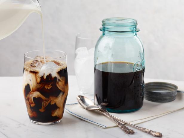 طرز تهیه قهوه دم کرده سرد یا سرد